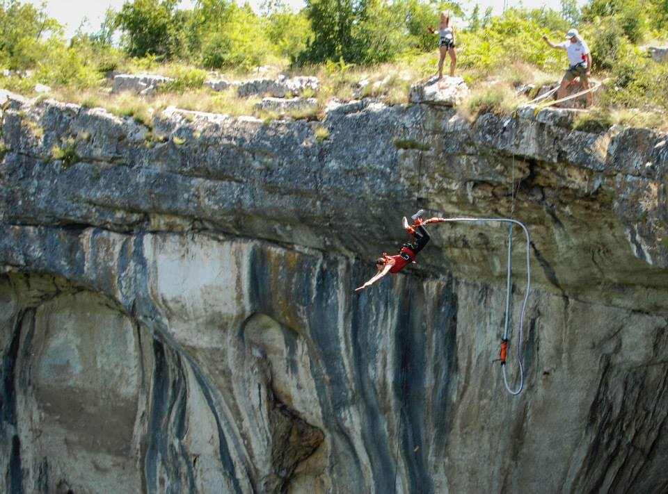 14 май-Бънджи от пещера Проходна