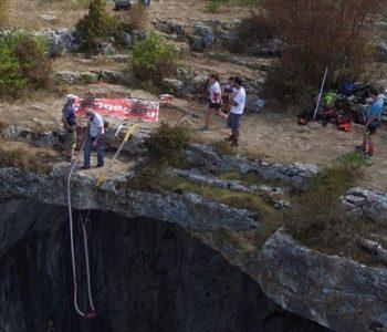 07ми март, 2020 - бънджи скокове от пещера Проходна!