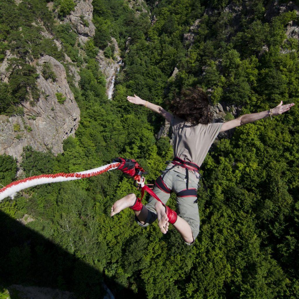 На 28-ми юни организираме събитие на най-високия мост за бънджи в страната!