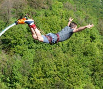 30-ти май - Бънджи скокове до град Клисура