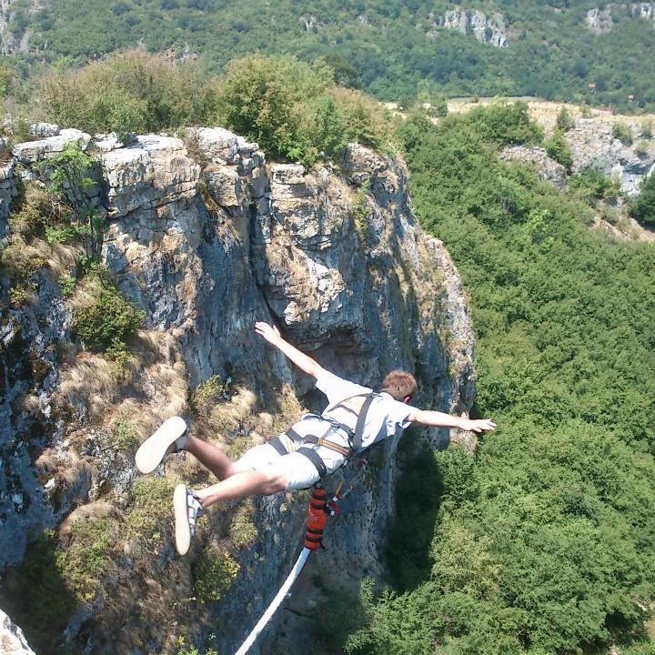 20-ти юни - бънджи скокове на пещера Проходна